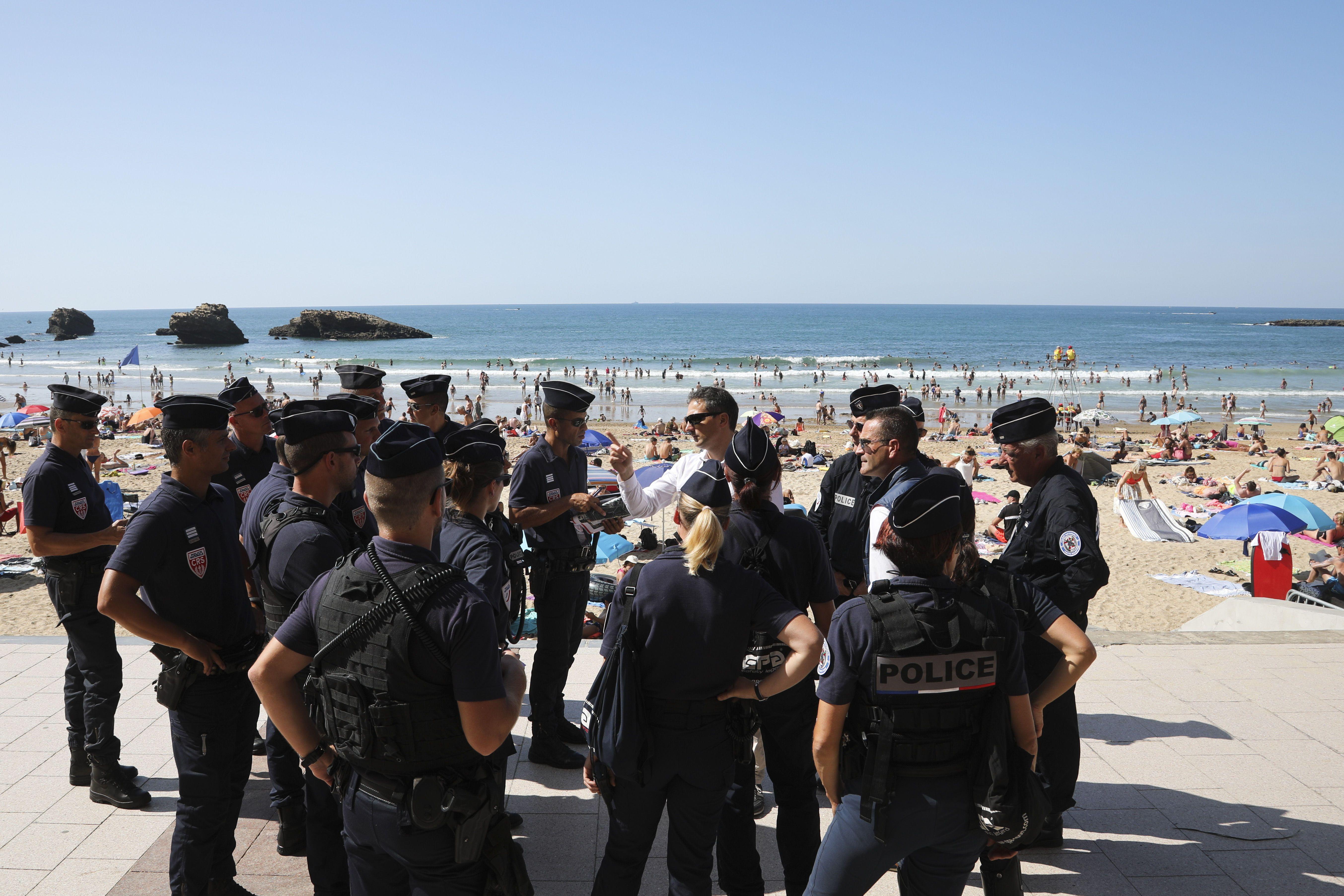 поліцейські на саміті G7