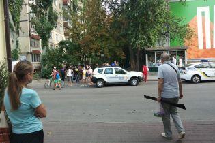 У Дніпрі голий чоловік бігав вулицям та врізався у все на своєму шляху