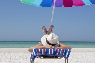 Відпочинок на виживання. В яких умовах спритні бізнесмени готують пляжні смаколики