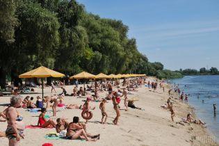 В Киеве закрыт пляжный сезон
