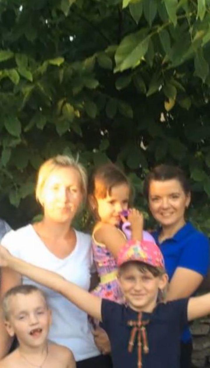 Як Марічка Падалко стала хрещеною для маленької переселенки з Луганщини