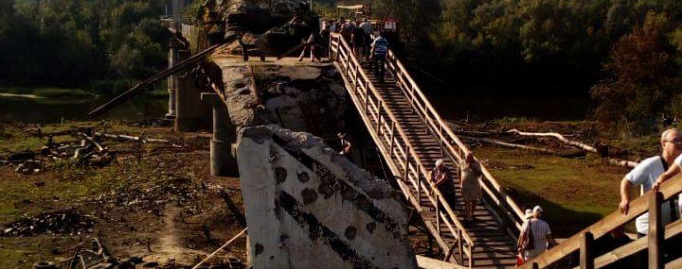 Бойовики саботують початок відновлення мосту у Станиці Луганській – СЦКК