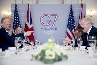 """После выхода из ЕС Трамп пообещал Британии """"очень крупное торговое соглашение"""""""