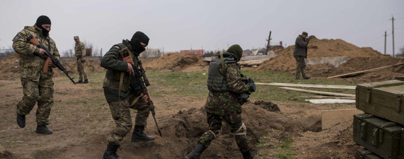 """10 загиблих військових та щоденні провокації. Що відбувається на Донбасі від початку """"перемир'я"""""""
