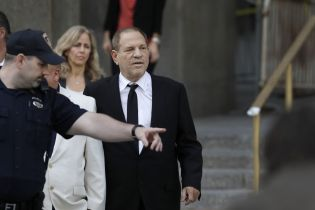 Скандальному Харви Вайнштейну выдвинули новые обвинения в сексуальных домогательствах