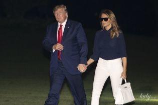 Выглядит отлично: два повседневных образа Мелании Трамп в белых брюках