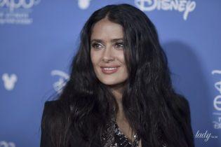 В прозрачной блузке и с пышной укладкой: Сальма Хайек на киноконвенте