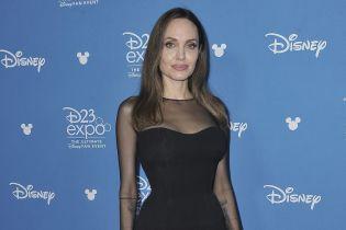 Анджелина Джоли призналась, как переживает разлуку с приемным сыном
