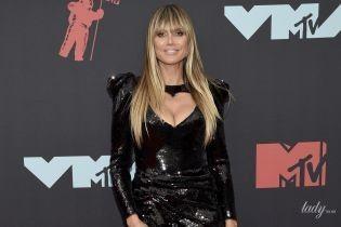 В мини-платье со смелым декольте: сексуальная Хайди Клум на премии MTV Video Music Awards - 2019