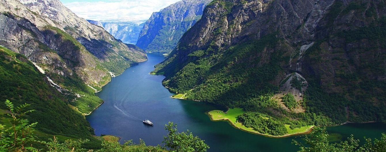 В Сети появилось видео самого красивого места в Норвегии отснятого свысоты птичьего полета