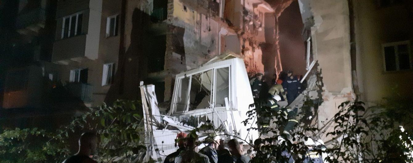 На Львівщині обвалився під'їзд будинку після вибуху газу: щонайменше 5 постраждалих