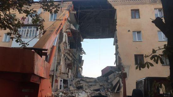 Нічний вибух у житловому будинку Дрогобича: рятувальники витягли з-під завалів двох загиблих