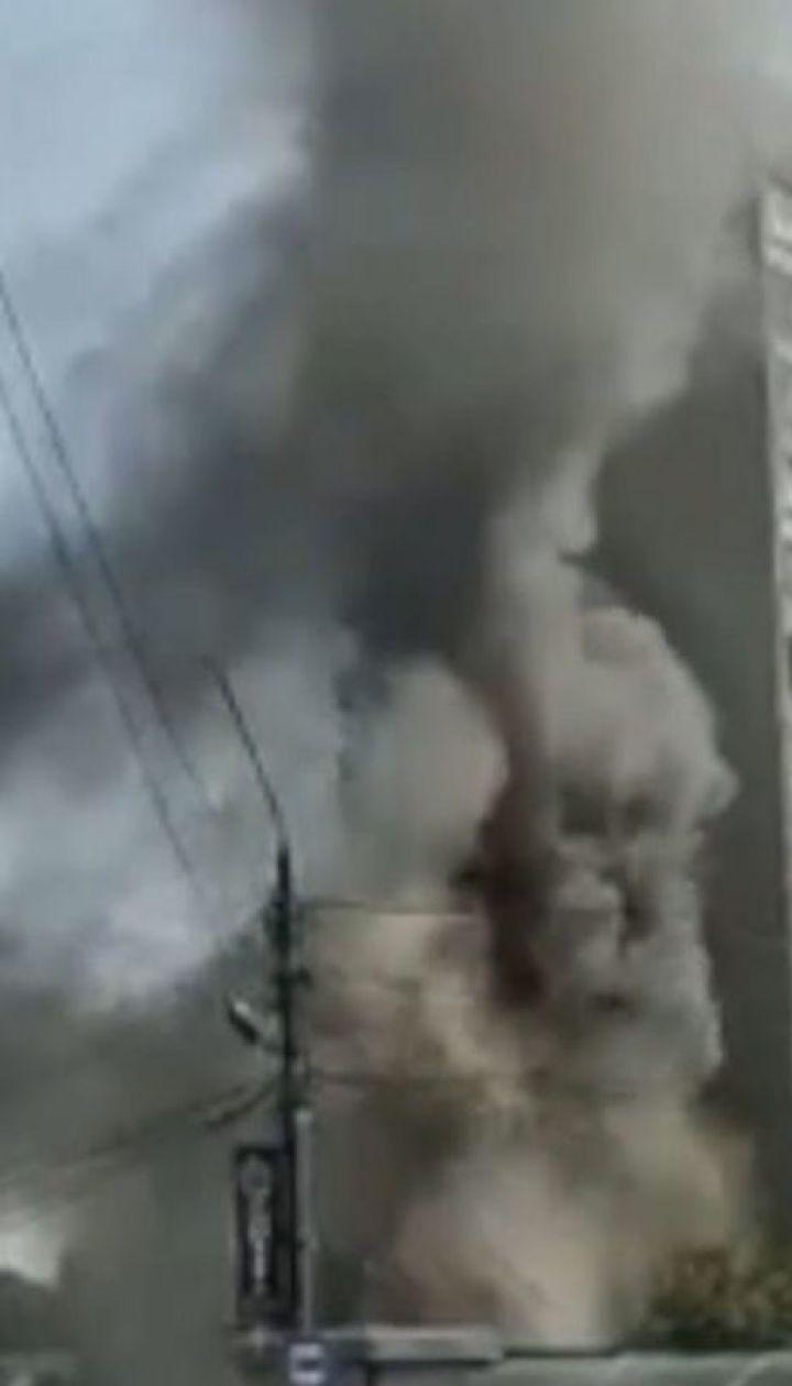 Из-за пожара в торговом павильоне Львова дотла выгорели 3 киоска
