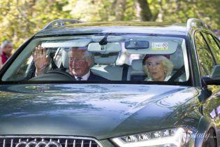 Составили компанию королеве: герцогиня Корнуольская и принц Чарльз отдыхают в Балморале