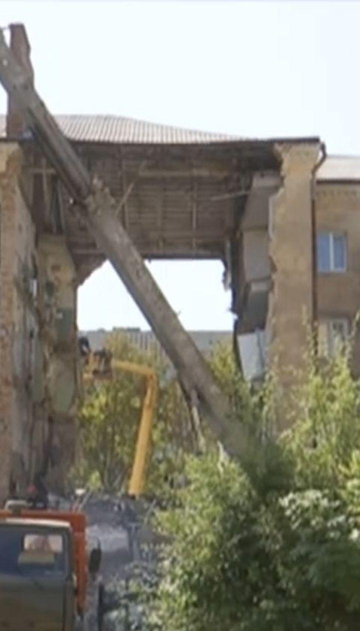 Под завалами дома в Дрогобыче могут быть еще четыре человека, среди которых - 5-летний мальчик