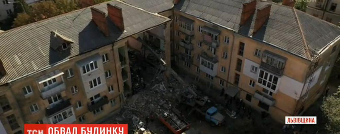 """""""На меня упала стена. Я кричала и молилась"""". Очевидцы рассказали об обвале дома в Дрогобыче"""