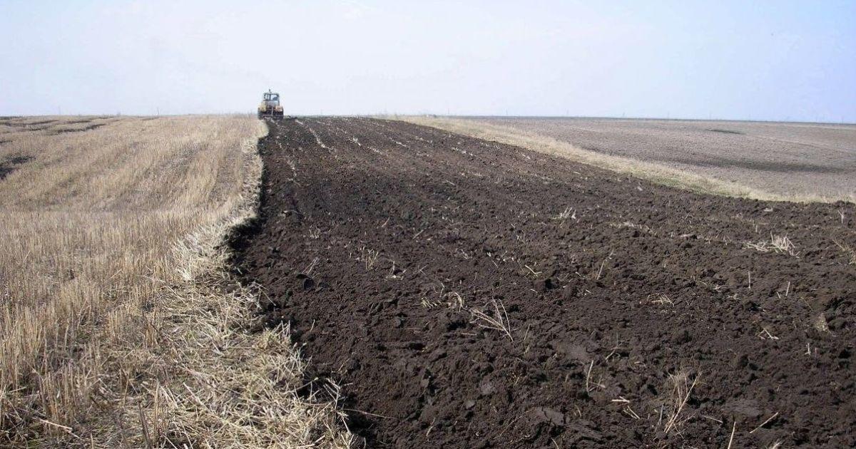В Днепре задержали мошенника, который за бесценок выкупал земельные участки у АТОшников