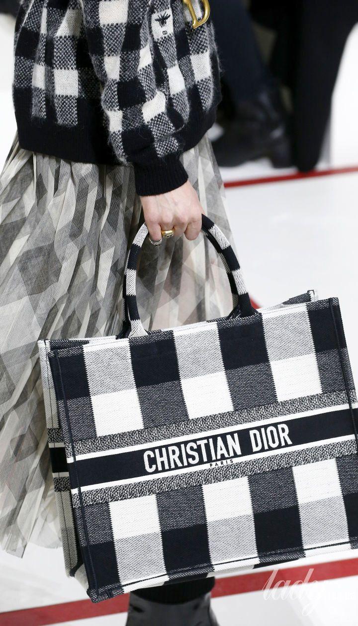 Колекція Christian Dior прет-а-порте сезону осінь-зима 2019-2020