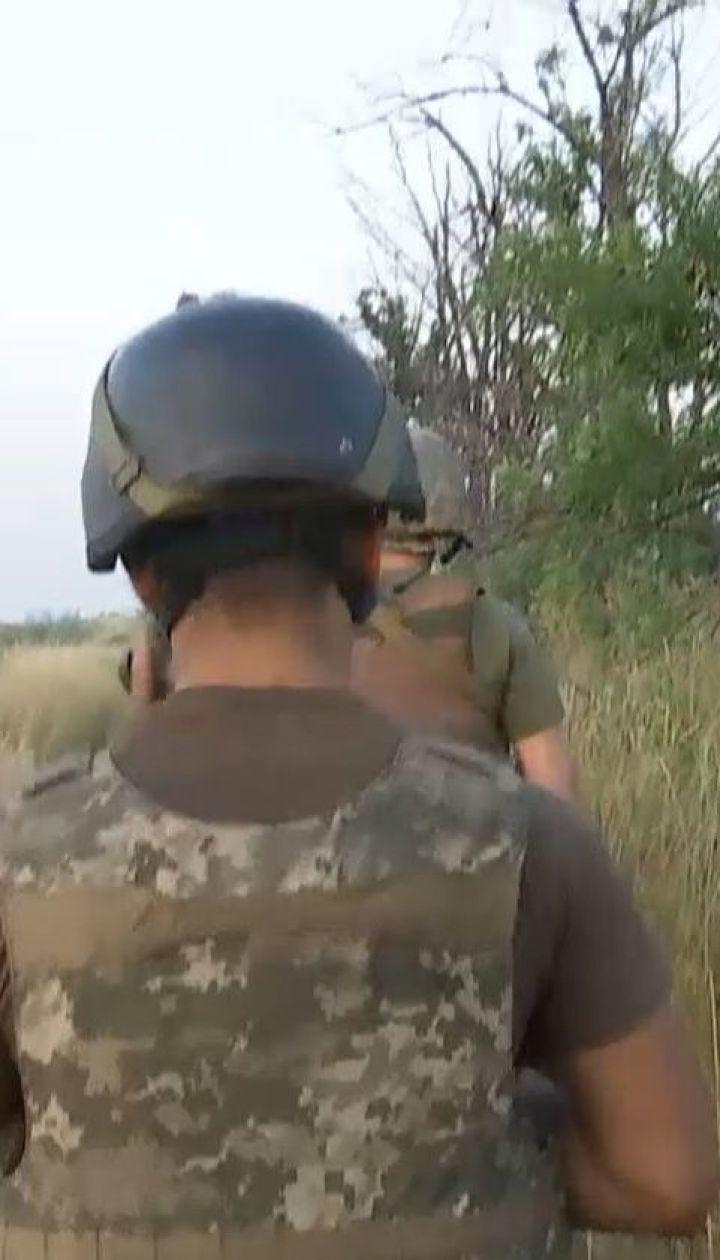 Террористы обстреляли гуманитарный коридор на Донбассе