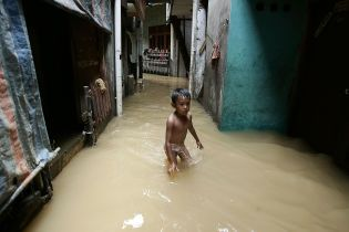 Джакарта и Новый Орлеан. Ряд мировых мегаполисов постепенно уходит под воду - что происходит и кто в этом виноват