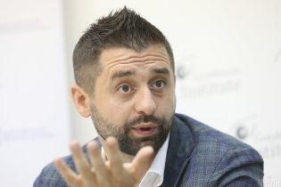 """""""Были переговоры"""": Арахамия рассказал, что в """"Слугу народа"""" войдут новые депутаты"""