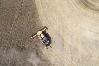 Зеленский озвучил два этапа продажи земли и главную проблему со снятием моратория