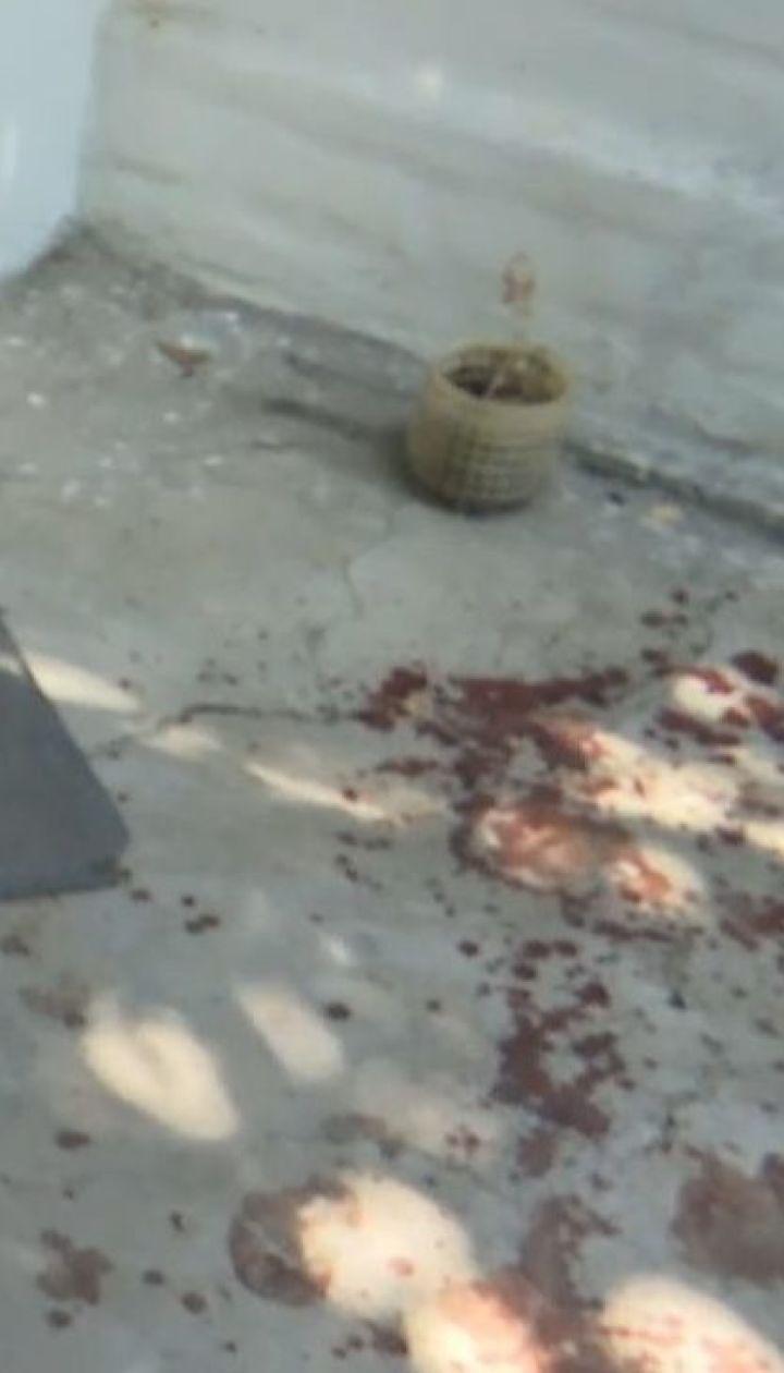 Кинув у колодязь і штрикав ножем: від нападу батька ледь не загинули діти на Черкащині