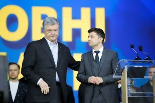 """""""Ему кажется, что он может быть лидером другого Майдана"""". Зеленский прокомментировал реакцию Порошенко на отвод войск"""