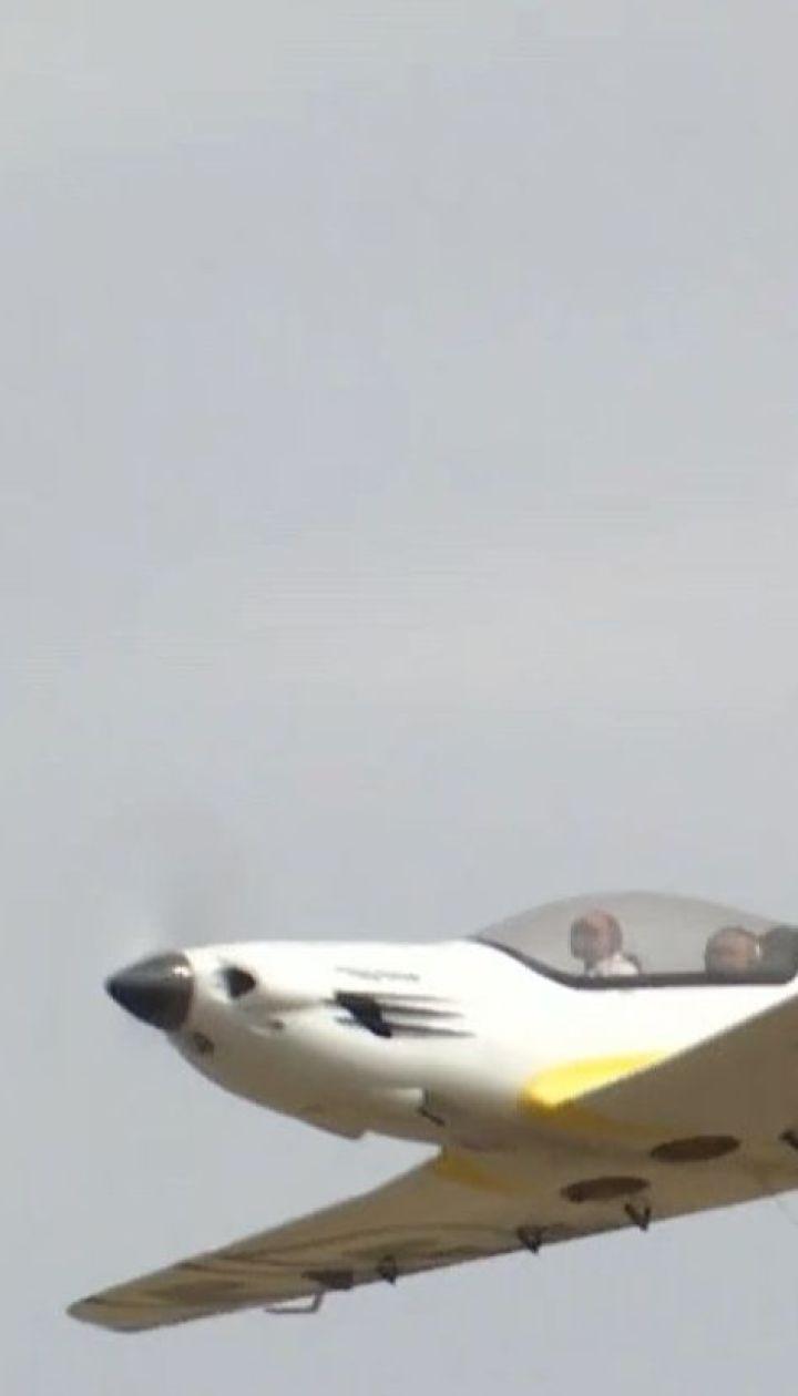 Масштабное авиационное шоу с участием военных самолетов началось в Харьковской области