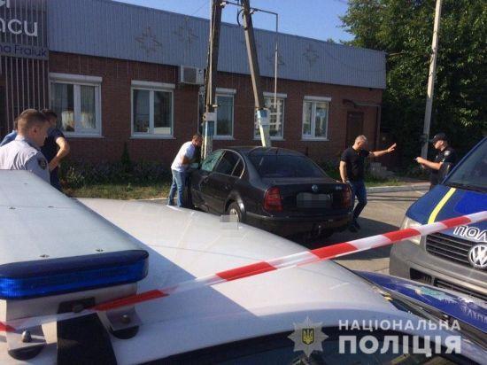 Під Києвом чоловік застрелився в машині