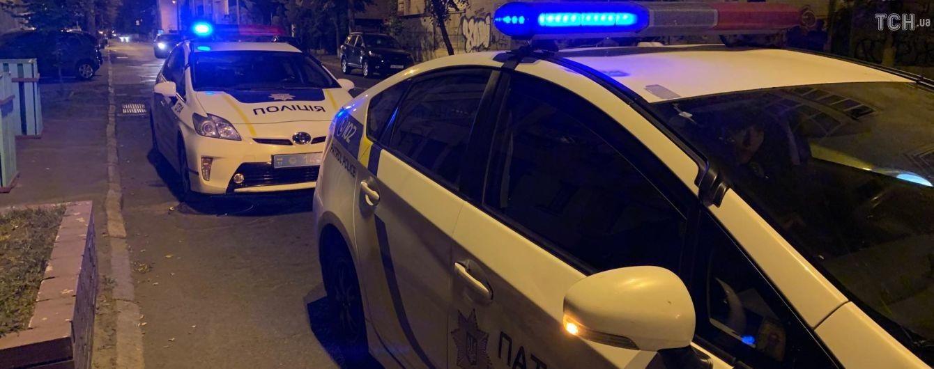 В Києві біля кафе влаштували бійку зі стріляниною. В Мережі опублікували відео