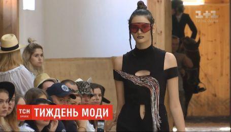 Конный клуб и речной вокзал вместо подиума: в Киеве проходит украинская неделя моды