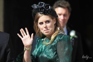 Евгения в цветочном платье, а Беатрис - блестящем изумрудном: принцессы Йоркские на свадьбе