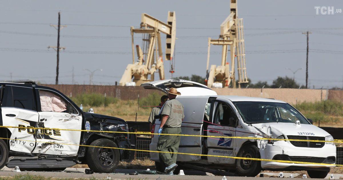 Почтовый фургон, на котором ехал злоумышленник @ Associated Press