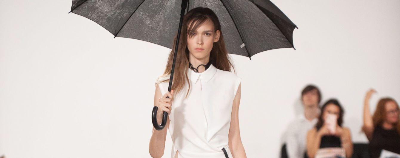 UFW: рубашки сложного кроя и тренчи в коллекции Elena Burenina