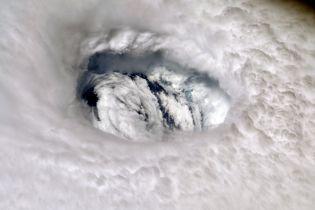 Поблизу США формується новий ураган
