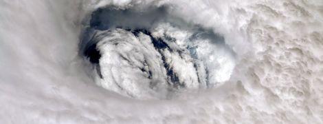 Вблизи США формируется новый ураган