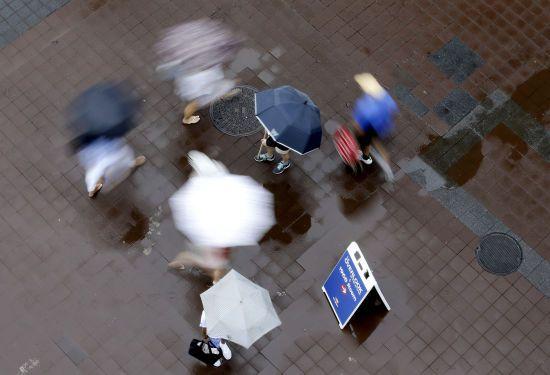 Синоптики попереджають про дощ і сильний вітер. Прогноз погоди в Україні на 21 грудня