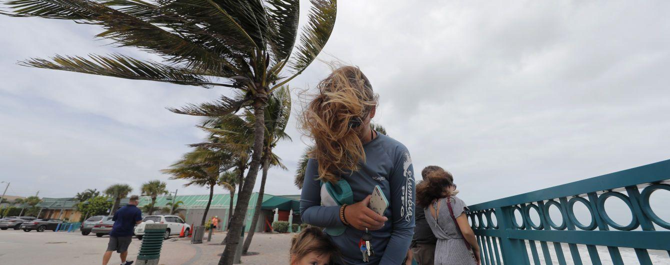 """Ураган """"Доріан"""" розгубив половину потужності перед узбережжям США"""