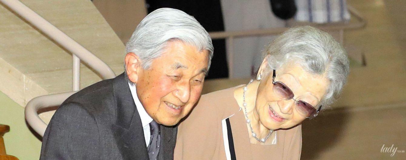 В коричневом жакете и с мужем: почетная императрица Японии Митико на концерте