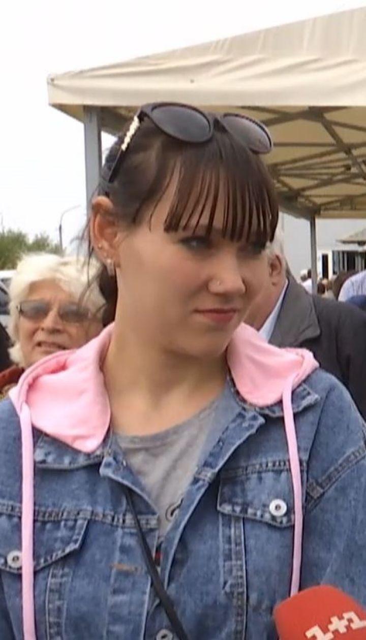 """""""Безнадежная"""" жизнь: украинцы на оккупированных территориях не хотят получать российские паспорта"""