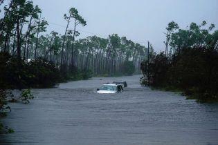 """На Багамах після урагану """"Доріан"""" зниклими безвісти вважаються 2,5 тис. людей"""