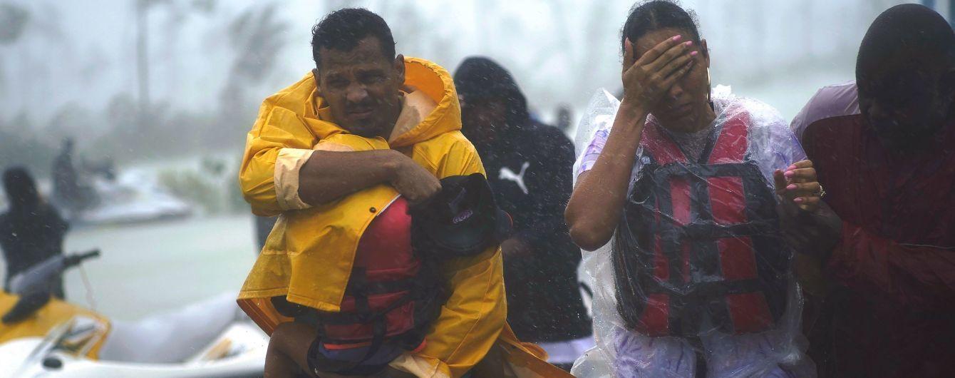 """Ураган """"Дориан"""" достиг побережья двух штатов США"""