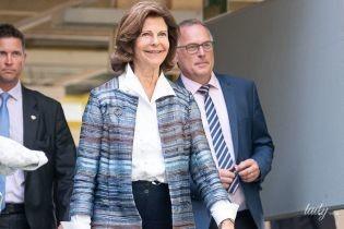 Какая стильная: 75-летняя королева Сильвия посетила деловое мероприятие