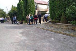 Во двор ректора Тернопольского университета бросили бомбу, его с женой госпитализировали с серьезными травмами