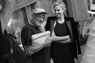 Ушел из жизни Питер Линдберг - автор обложки сентябрьского Vogue, над которой работал с герцогиней Сассекской