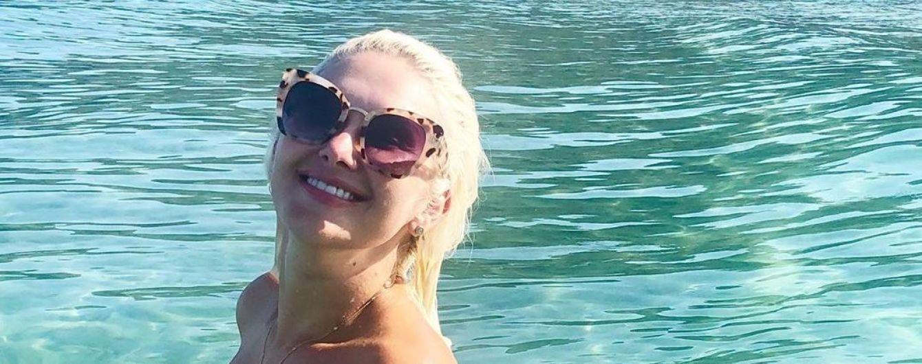 Аппетитная Екатерина Бужинская в купальнике похвасталась загаром