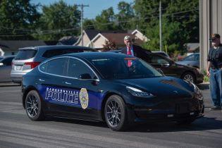 В Америке полицейские приобрели Tesla вместо Dodge Chargers
