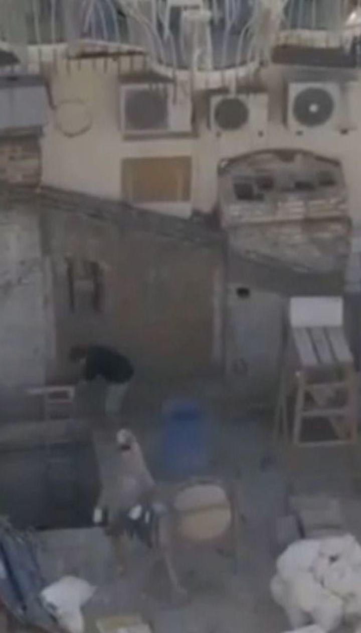 Женщина взялась под видом ремонта крыши строить еще один этаж в старой многоэтажке