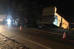 Автобус с детьми попал в ДТП на Львовщине: медики рассказали о состоянии пострадавших